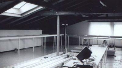 Das Bild zeigt den Rahmen für die Paradestrecke im Aufbau, Sommer 1992